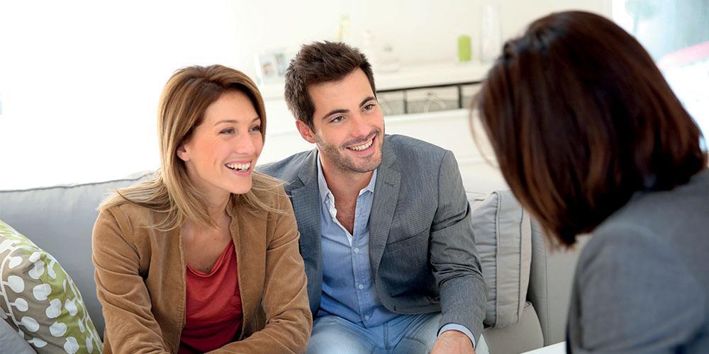 couple-rendez-vous-conseiller-immobilier